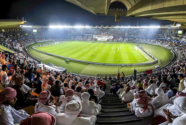 Sân Zayed Sports chuẩn bị và diễn tập cho lễ khai mạc đêm nay.