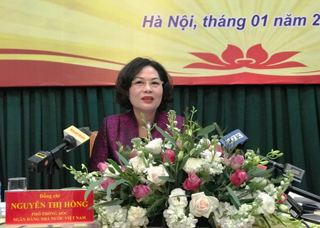 Phó Thống đốc NHNN Nguyễn Thị Hồng chủ trì họp báo.