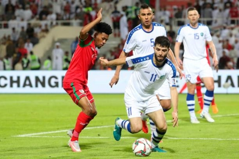 ĐT Uzbenkistan vất vả vượt qua ĐT Oman với tỷ số 2-1