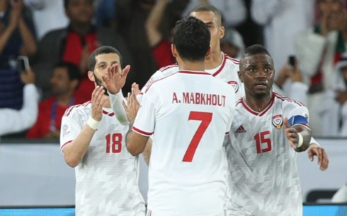 UAE nhập cuộc không tốt, nhưng lại biết chắt chiu cơ hội để giành chiến thắng trước Ấn Độ.