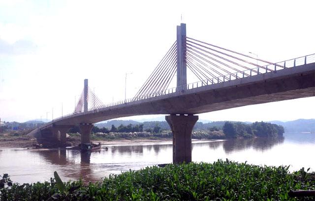 Cầu Bách Lẫm hoàn thành góp phần quan trọng vào phát triển hệ thống kết cấu hạ tầng kinh tế - xã hội của tỉnh.