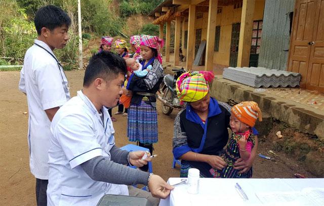 Tiêm chủng đầy đủ là cách duy nhất và hiệu quả để phòng chống bệnh tật cho trẻ.