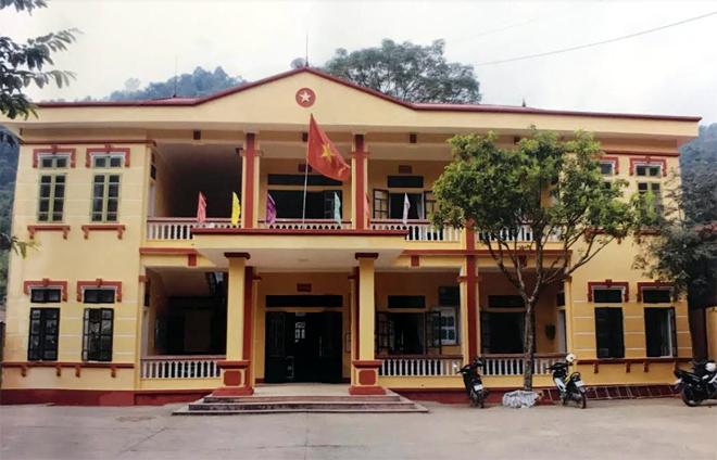 Trụ sở UBND xã Hát Lừu, huyện Trạm Tấu được đầu tư xây dựng khang trang phục vụ tốt công tác điều hành, chỉ đạo, thực hiện các nhiệm vụ chính trị của địa phương.