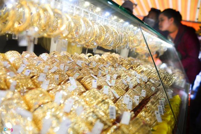Vàng trong nước sáng nay (21/1) có lần thứ 2 vượt mốc 44 triệu đồng/lượng.