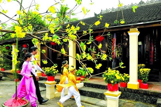 """Xong dat"" (first footing) is a Tet tradition in Vietnam."