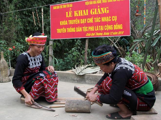 Khóa truyền dạy chế tác nhạc cụ truyền thống đã giúp người Phù Lá khôi phục lại các giá trị văn hóa, các sản phẩm truyền thống tốt đẹp của dân tộc.