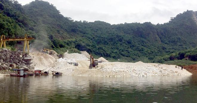Điểm khai thác khoáng sản tại xã An Phú, huyện Lục Yên.