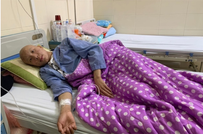 Em Lý Văn Hà 15 tuổi mắc bệnh ung thư cột sống
