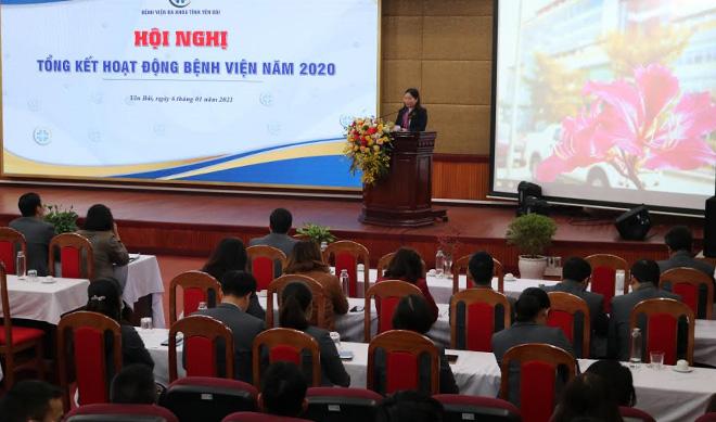 Đồng chí Vũ Thị Hiền Hạnh - Phó Chủ tịch UBND tỉnh phát biểu tại Hội nghị.
