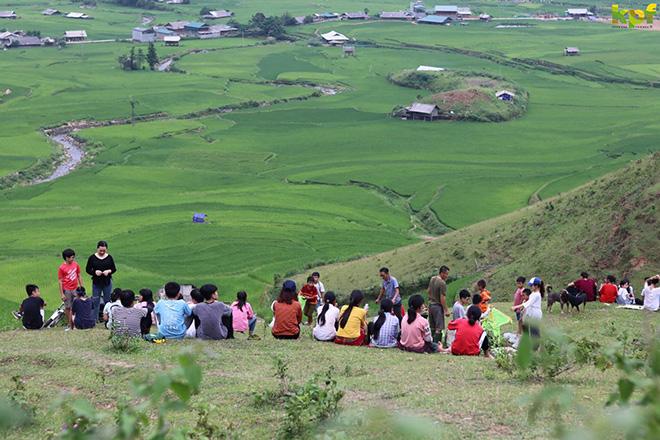 Phát triển du lịch theo hướng tôn trọng thiên nhiên và văn hóa bản địa