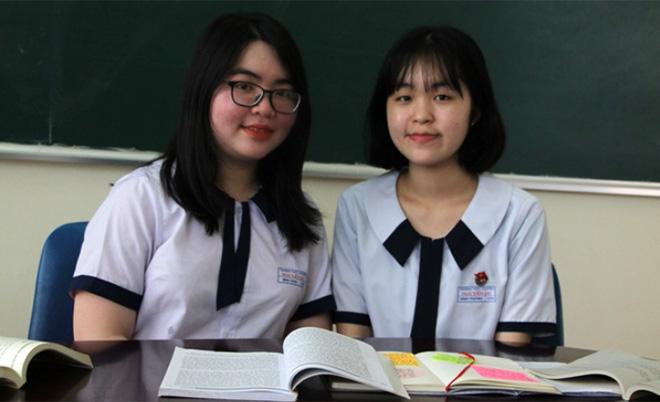 Đôi bạn thân học giỏi Minh Phương (bên phải) và Minh Dung