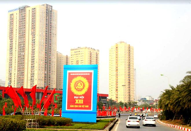Thủ đô Hà Nội rực rỡ cờ hoa chào mừng Đại hội XIII của Đảng.