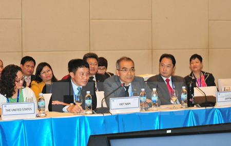 Đại diện Các nền kinh tế APEC tham dự cuộc họp.
