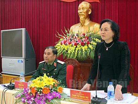 Đồng chí Phạm Thị Thanh Trà - Ủy viên Ban Chấp hành Trung ương Đảng, Bí thư Tỉnh ủy, Chủ tịch HĐND tỉnh phát biểu tại Hội nghị.