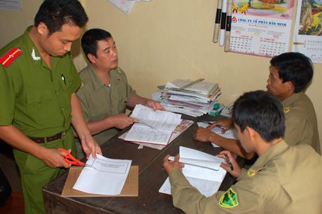 Lực lượng công an phụ trách xã thường xuyên bám nắm địa bàn, góp phần đảm bảo trật tự an toàn xã hội ở cơ sở. Ảnh Quang Tuấn