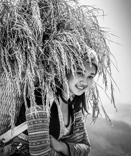 Thiếu nữ Mông.  (Ảnh: Xuân Tình )