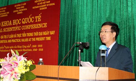 Đồng chí Võ Văn Thưởng phát biểu khai mạc Hội thảo.