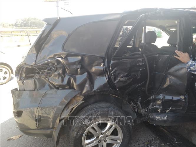 Xe 7 chỗ trong vụ tai nạn.