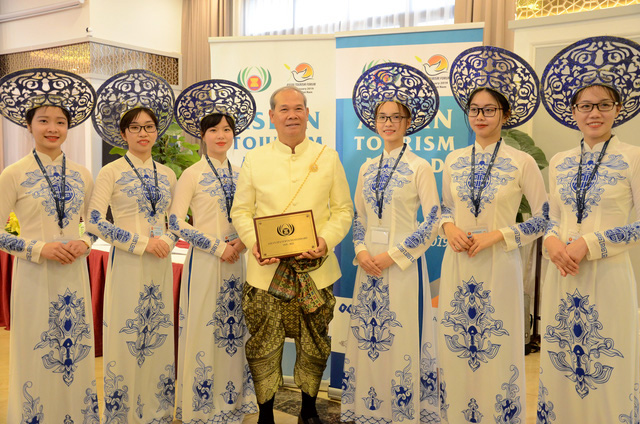 Hình minh họa: Lễ trao giải thưởng Du lịch ASEAN trong khuôn khổ ATF 2019.