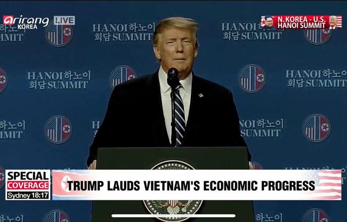Tổng thống Hoa Kỳ Donald Trump phát biểu tại họp báo.