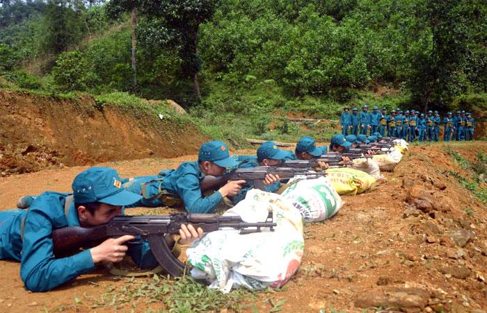 LLVT huyện Trấn Yên tích cực luyện tập, sẵn sàng chiến đấu.
