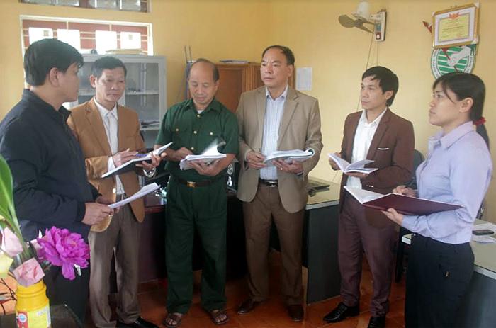 Lãnh đạo xã Hán Đà trao đổi với các tổ chức, đoàn thể về kế hoạch triển khai Chỉ thị 05 năm 2019.