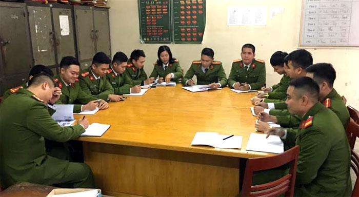 Cảnh sát hình sự Công an thành phố Yên Bái triển khai nhiệm vụ.