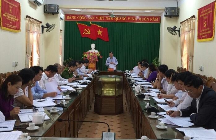 Đồng chí Nguyễn Văn Lịch - Ủy viên Ban Thường vụ, Trưởng ban Nội chính Tỉnh ủy phát biểu tại buổi làm việc với lãnh đạo chủ chốt huyện Trấn Yên về công tác nội chính và PCTN.