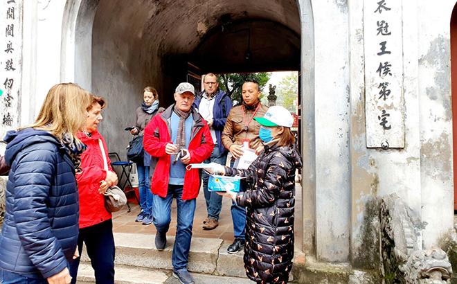 Bức ảnh gửi tham dự cuộc thi phản ánh nỗ lực phòng, chống dịch bệnh Covid-19 tại Hà Nội