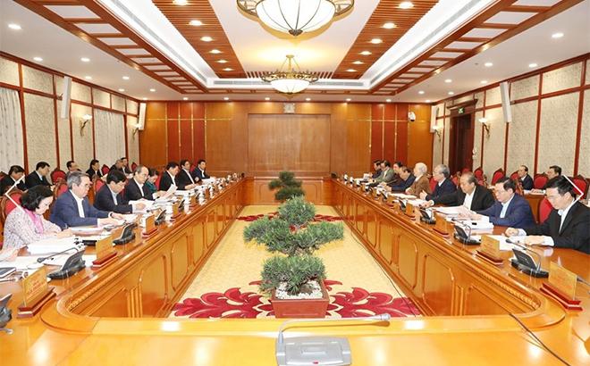 Tổng Bí thư, Chủ tịch nước chủ trì họp Bộ Chính trị về văn kiện ĐH XIII.