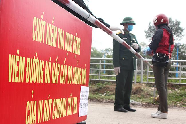 Chốt kiểm tra soát dịch ở xã Sơn Lôi, Bình Xuyên, Vĩnh Phúc.