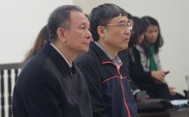 Hai cựu Tổng Giám đốc Nguyễn Huy Ban và Lê Bạch Hồng (từ trái qua) tại phiên tòa phúc thẩm.
