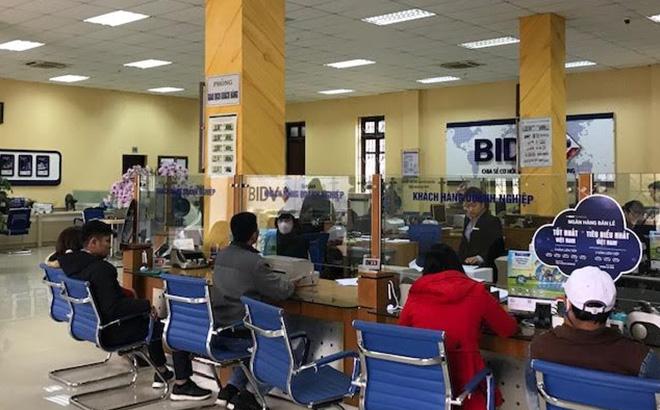 Khách hàng đến giao dịch tại BIDV Chi nhánh Yên Bái.