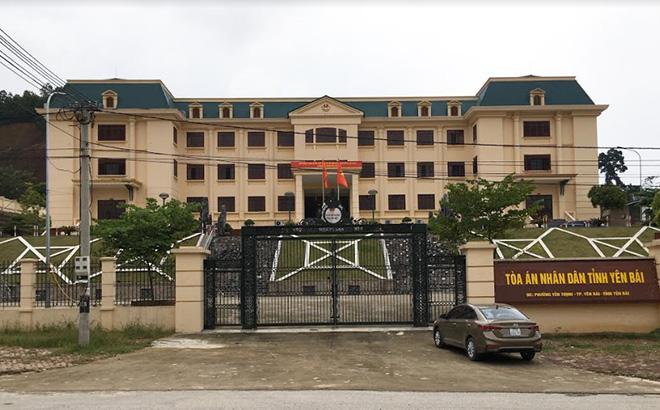 Tòa án nhân dân tỉnh Yên Bái trên đường Nguyễn Tất Thành - thành phố Yên Bái.