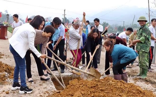 Triển khai Chương trình hành động số 190 của Tỉnh ủy, Hội LHPN tỉnh phối hợp với Tổ chức Đoàn kết quốc tế (SODI) xây dựng nhà văn hóa tại bản Vần, xã Việt Hồng, huyện Trấn Yên.