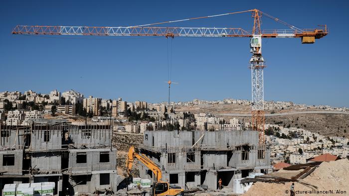 Quang cảnh xây dựng một khu tái định cư mới ở khu Bờ Tây