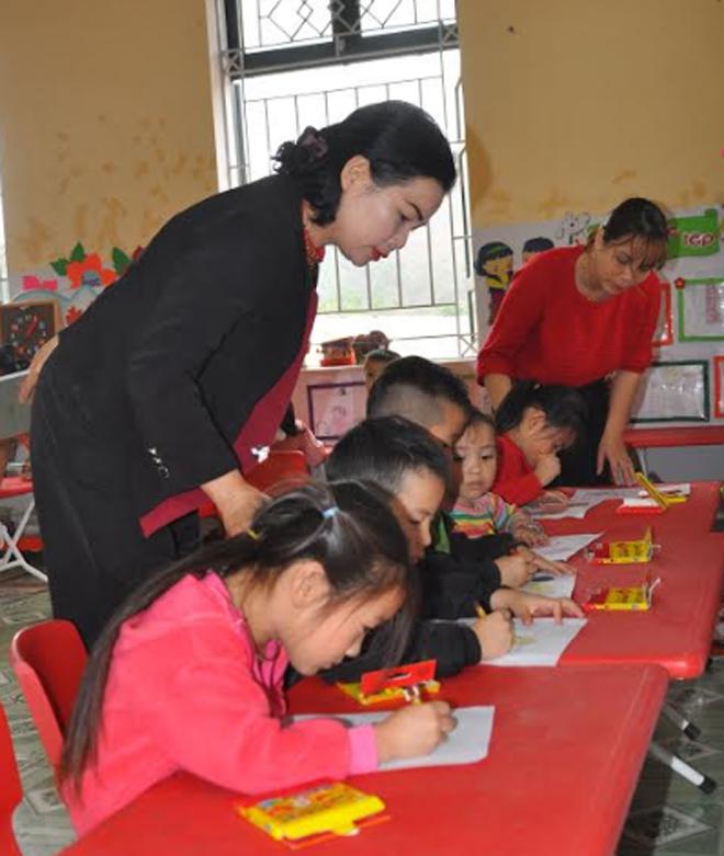 Trường Mầm non Tân Đồng được đầu tư xây dựng khang trang, tạo môi trường học tập và vui chơi an toàn cho trẻ.