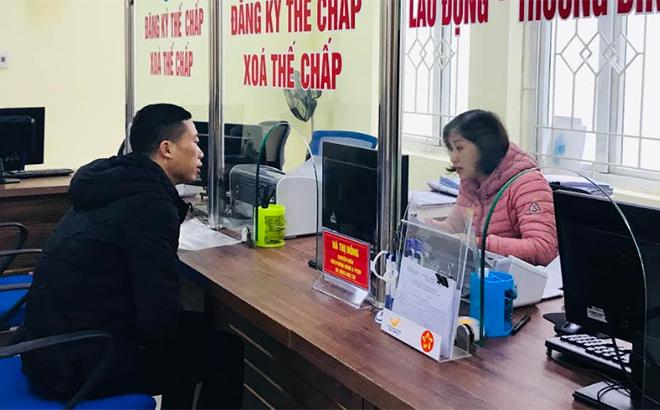 Bộ phận Phục vụ hành chính công của thành phố Yên Bái đáp ứng nhu cầu giải quyết công việc của tổ chức, cá nhân và doanh nghiệp.