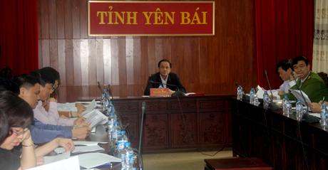 Đồng chí Tạ Văn Long - Phó Chủ tịch Thường trực UBND tỉnh chủ trì Hội nghị tại điểm cầu Yên Bái.