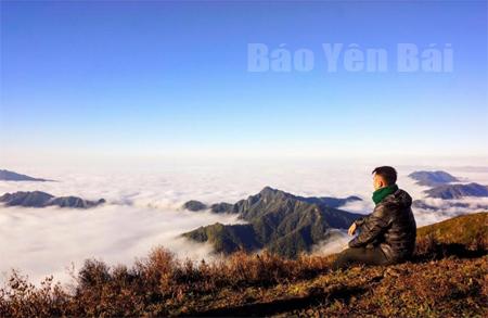 Đại dương mây trên đỉnh Tà Chì Nhù.