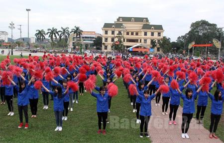 Tuổi trẻ Yên Bái hưởng ứng Ngày Thể thao Việt Nam. (Ảnh: Thu Trang)