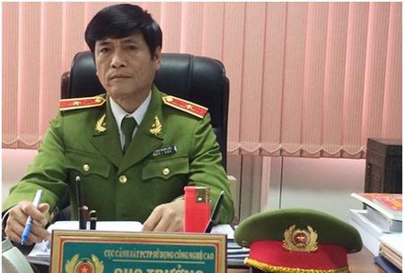 Cựu Thiếu tướng Nguyễn Thanh Hoá bị khởi tố vì liên quan đến đường dây đánh bạc nghìn tỉ.