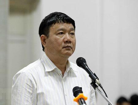 Bị cáo Đinh La Thăng trả lời các câu hỏi của Hội đồng xét xử.