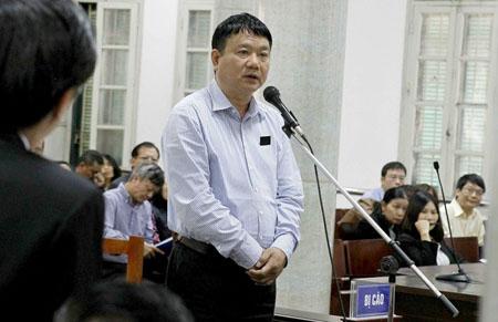 Ông Đinh La Thăng trả lời thẩm vấn của luật sư.