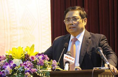 Đồng chí Phạm Minh Chính phát biểu tại buổi họp báo.