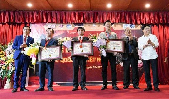 Ba kỷ lục Việt Nam được trao cho khu du lịch sinh thái Paragon Hill.