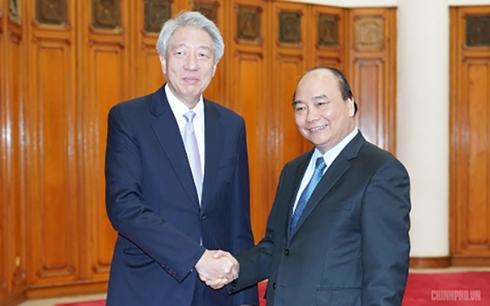 Thủ tướng Nguyễn Xuân Phúc tiếp Phó Thủ tướng, Bộ trưởng Điều phối An ninh quốc gia Singapore Tiêu Chí Hiền.