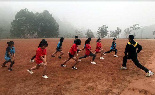 Các vận động viên Trường Cao đẳng Nghề Yên Bái tích cực tập luyện.