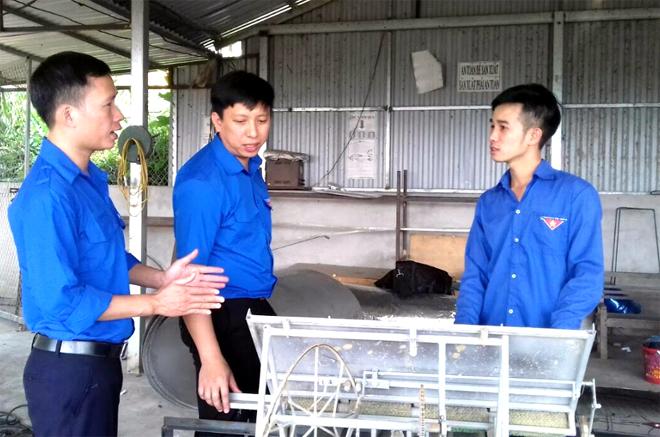 Sản phẩm bếp nóng lạnh Huỳnh Phát của đoàn viên Nguyễn Văn Huỳnh.