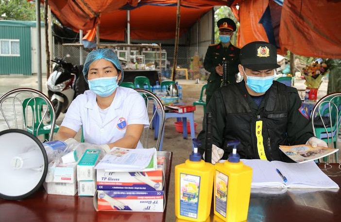 Tỉnh Yên Bái vừa quyết định giao Sở Y tế xây dựng phương án thành lập bệnh viện dã chiến và kế hoạch đáp ứng tình huống 2 khi có ca nhiễm bệnh COVID-19 trên địa bàn.